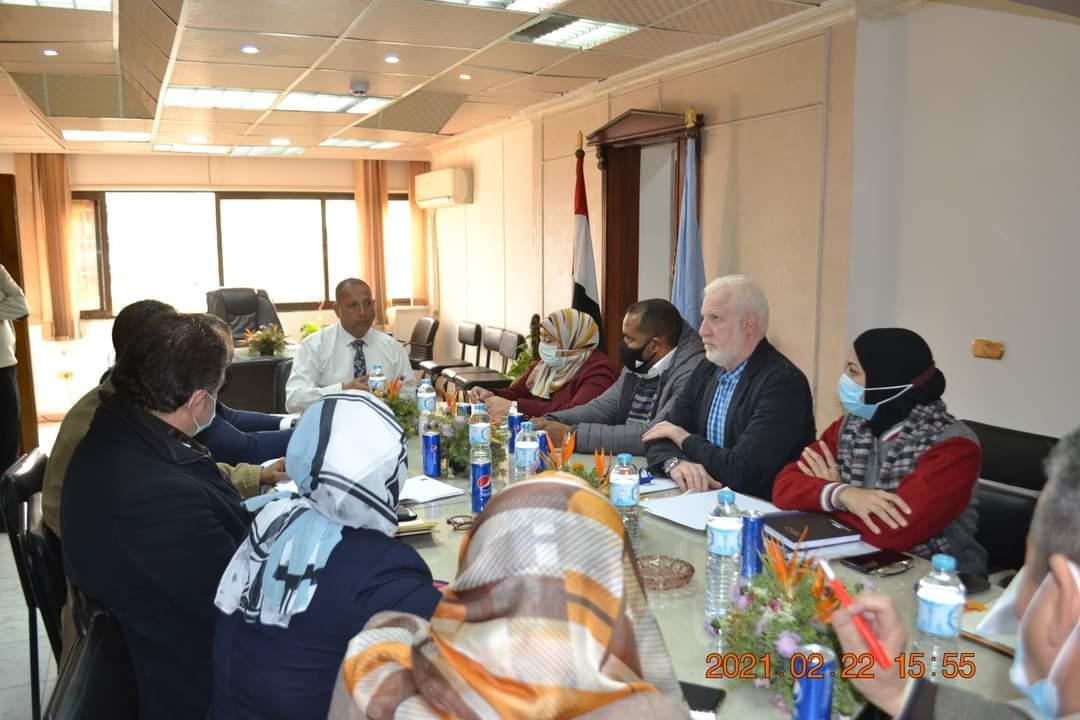 التنسيق بين نظافة القاهرة والشركات الطبية