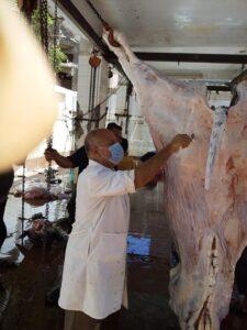 ذبح 407 رأس بالمجان في ثان أيام العيد