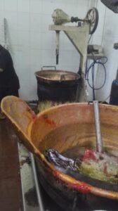 وكيل وزارة التموين بالغربية يضبط 2000كيلو حلوة المولد غير صالحة للاستهلاك الادمى بمركز قطور